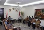 GIIAS BERTEMU WAPRES. Beberapa pimpinan GAIKINDO menemui Wakil Presiden (Wapres RI) Jusuf Kalla di Jakarta pada 22 Juni 2015, untuk membahas kesiapan GIIAS 2015. GAIKINDO diwakili Ketua Umum GAIKINDO Sudirman MR, didampingi oleh Ketua III GAIKINDO merangkap Ketua Penyelenggara GIIAS 2015, Johnny Darmawan. Tiga ketua GAIKINDO lainnya yakni Jongkie D Sugiarto (Ketua I), Johannus Nangoi (Ketua II), Rizwan Alamsjah (Ketua IV ), serta Sekretaris Umum GAIKINDO Noegardjito. (FOTO-FOTO: Adam Yudha)